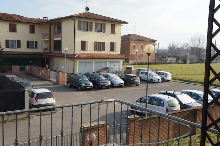 Nel cuore dell'Emilia, tra MotorValley e buon cibo - Rastellino - Apartament