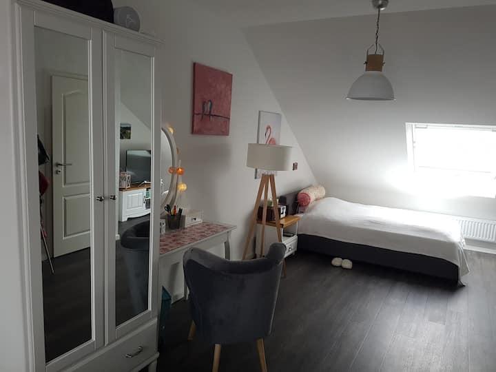 Modern room /Zimmer near Hannover Messe