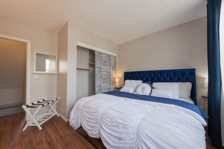2 King Bed Gem in German Village Close to Downtown