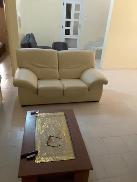 Maison 2 ch + Salon à Thiés quartier FAHU.