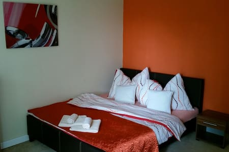 Family Apartment max.6 people, WiFi, TV & rest :) - Poprad