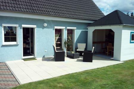 Familienfreundiches Haus mit Terasse/Garten/Teich - Bernau bei Berlin