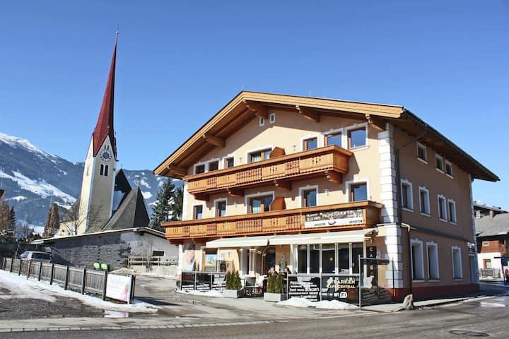 Großzügige Ferienwohnung in Uderns in Skigebietsnähe