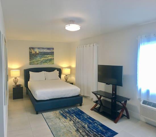 Suite 111 living area