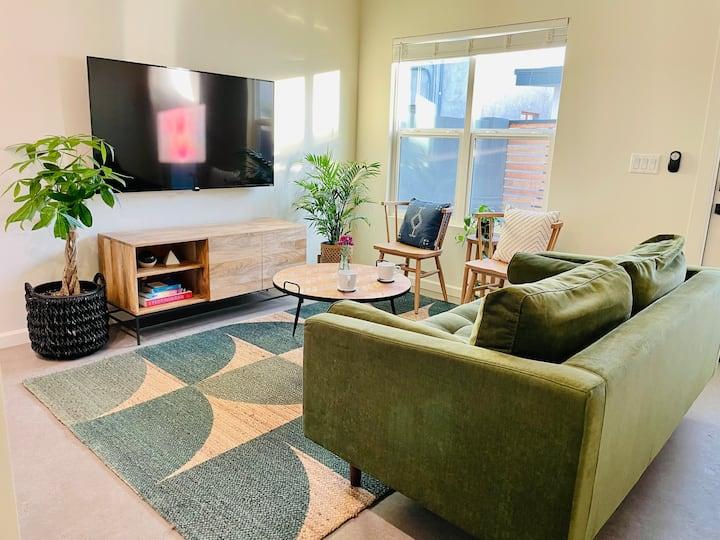 High-end Boho Guest House in Coronado