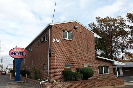 Pvt. Rm w/Shower - 15 min from EWR - Woodbridge Township - Apartment