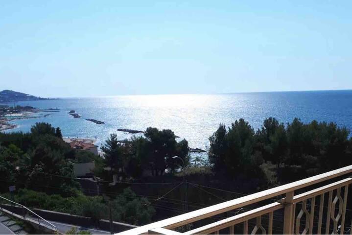 Favoloso appartamento sul mare in Arma/Sanremo