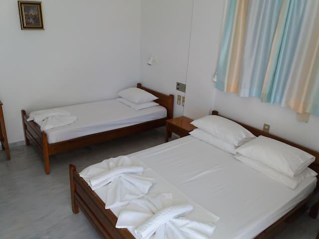 Triple Room in Heracles Hotel Spili