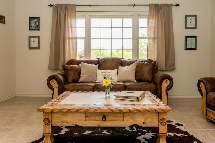 Rustic Charm | Family and Pet Friendly