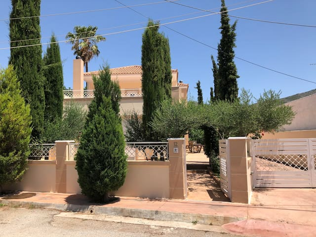 Stylish maisonette,Athens countryside near airport