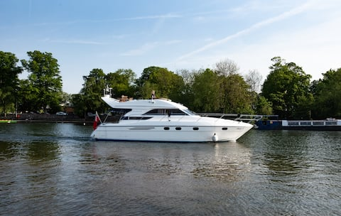 Windsor 47 ft Princess Yacht - Private use