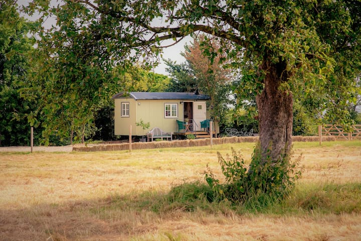 the Abberton shepherds hut retreat