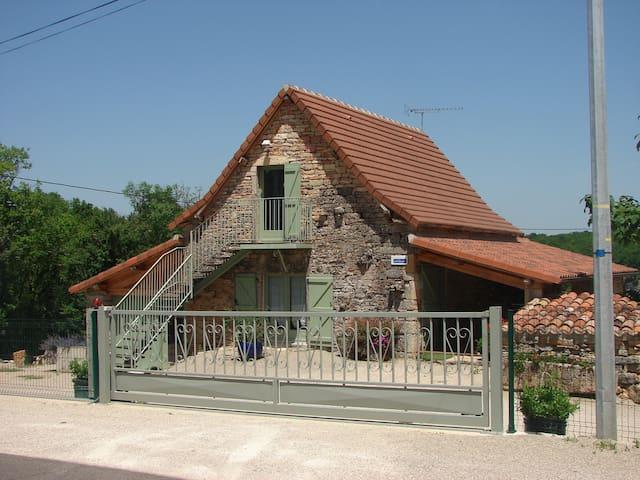 L'AUREMALY Chambres & Table d'Hôtes - Loze