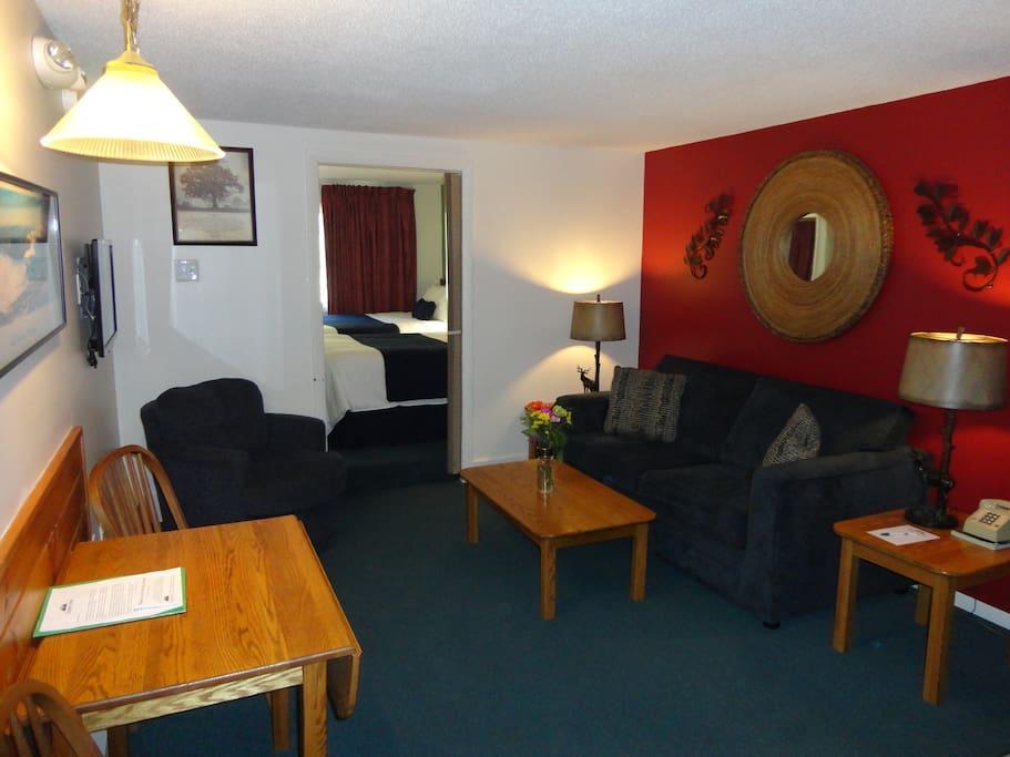 One-Bedroom Suite (higher price)