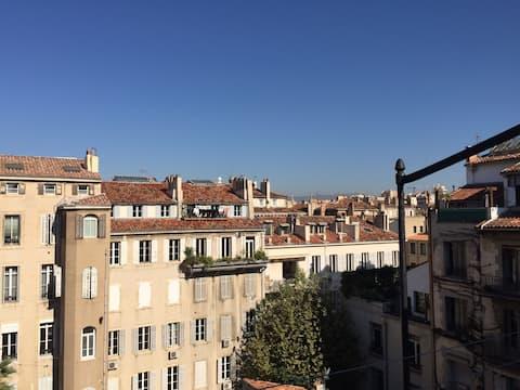Justo encima de los tejados - studio avec terrasse