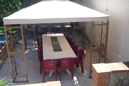 villa pour groupe d'amis ou famille nombreuse - Arles-sur-Tech - Casa