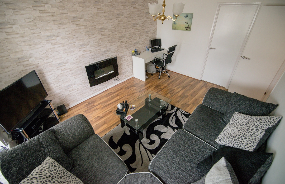 Birmingham Apartment Great For Business / Families   Apartments For Rent In  Birmingham, England, United Kingdom