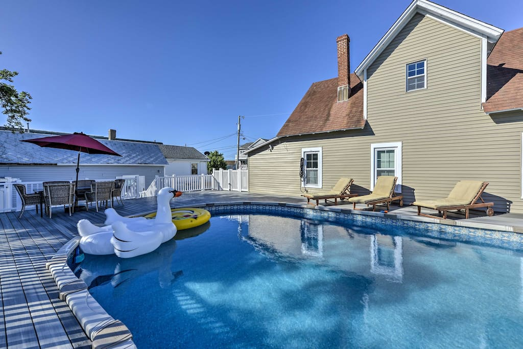 This New Jersey property offers a private pool and easy access to the beach!