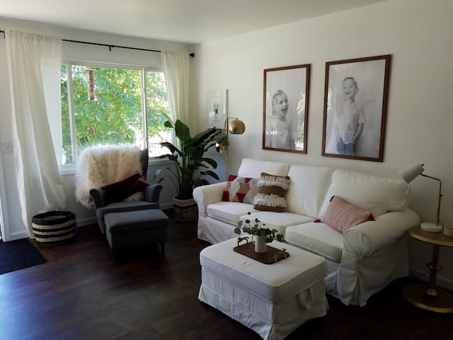15 min to downtown! Charming Madison Home.