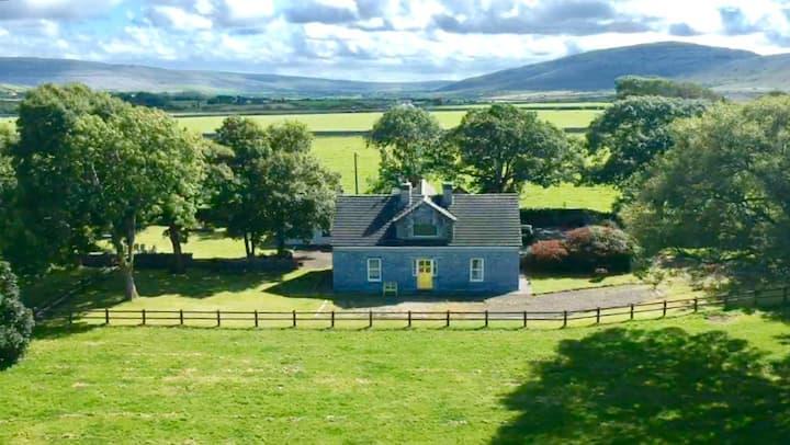 Beautiful luxury farmhouse overlooking Galway Bay
