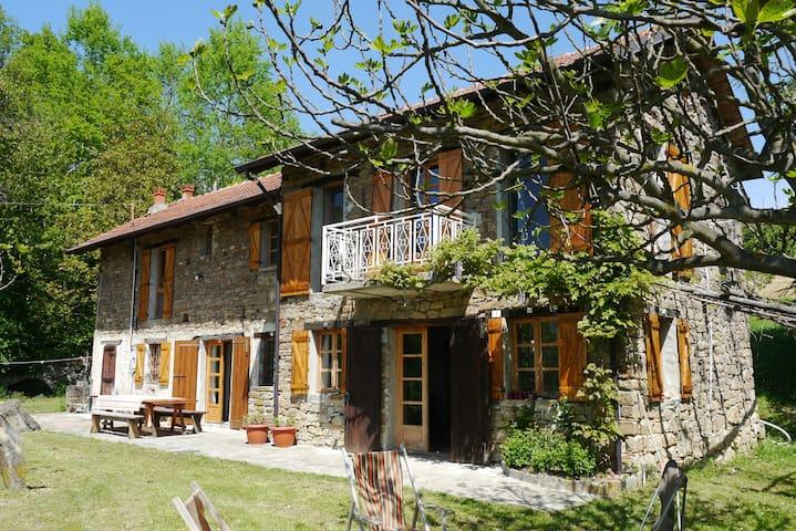 Vakantiehuis in de Langhe met zwembad - Perletto - Vakantiewoning