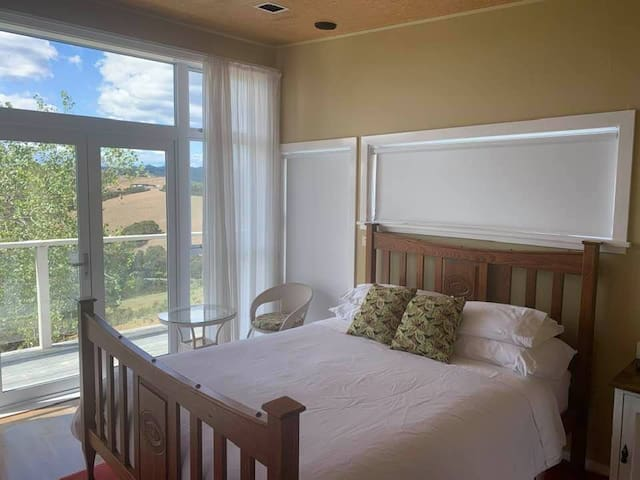 With block out blinds installed on both the east and west sides, you can wake up feeling more refreshed and rested.