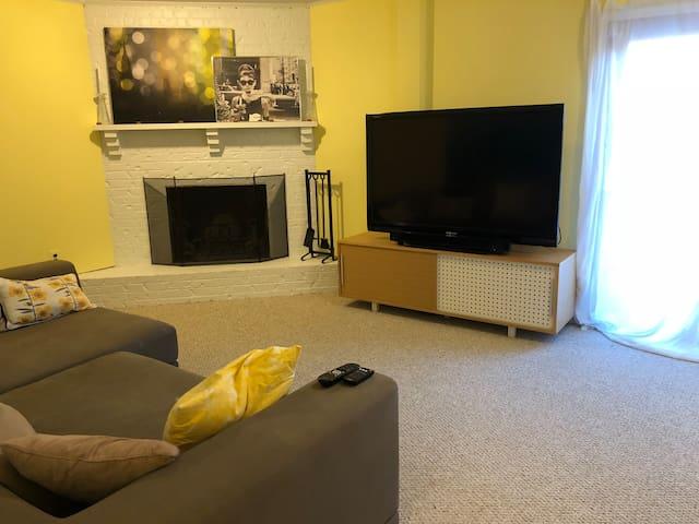 Quiet and Beautiful Basement Suite