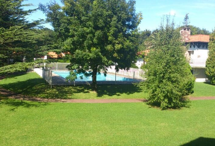 Relax, beach and swimmingpool Hendaya - Hendaye - House