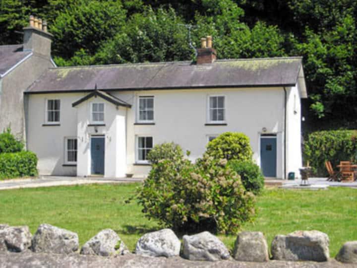Ivy Cottage (W42165)