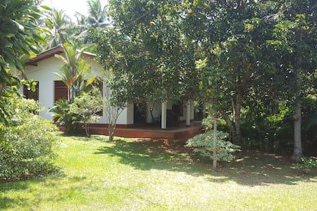 "Vermiete 90m"" Haus im Sri Lanka Beruwela Moragalla - Aluthgama - 一軒家"