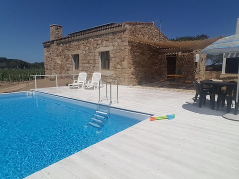Stunning independent villa with private pool