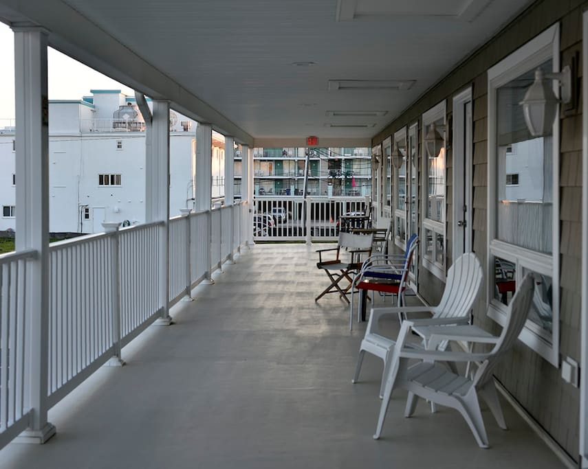 2nd floor shared balcony