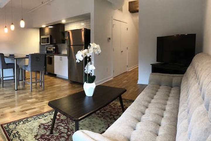 Woolworth Lofts - 1 Bedroom (323)