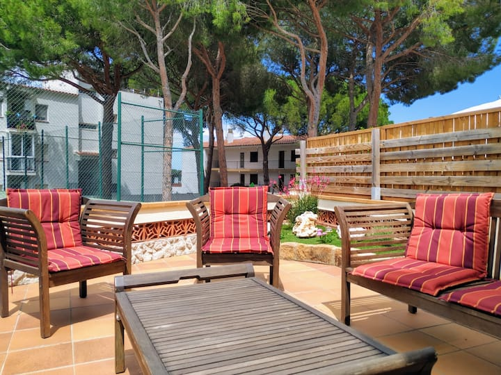 Villa Montemar, 12 min from the beach, TERRACE, BARBECUE, WIFI, COMMUNAL POOL