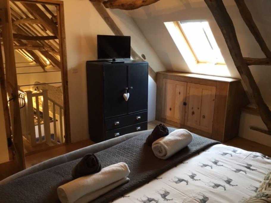 Threshing upstairs en-suite bedroom
