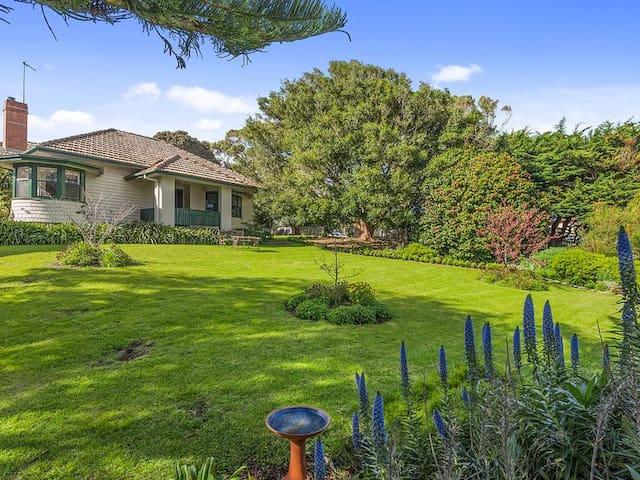 Californian bungalow, Seaview, Open Fireplace,WIFI