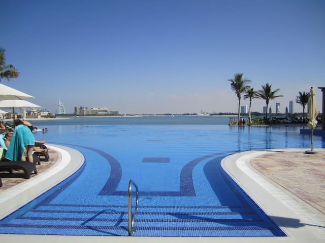 Sea View I 1BR I Tiara Residence Palm Jumeirah - Dubai - Appartement