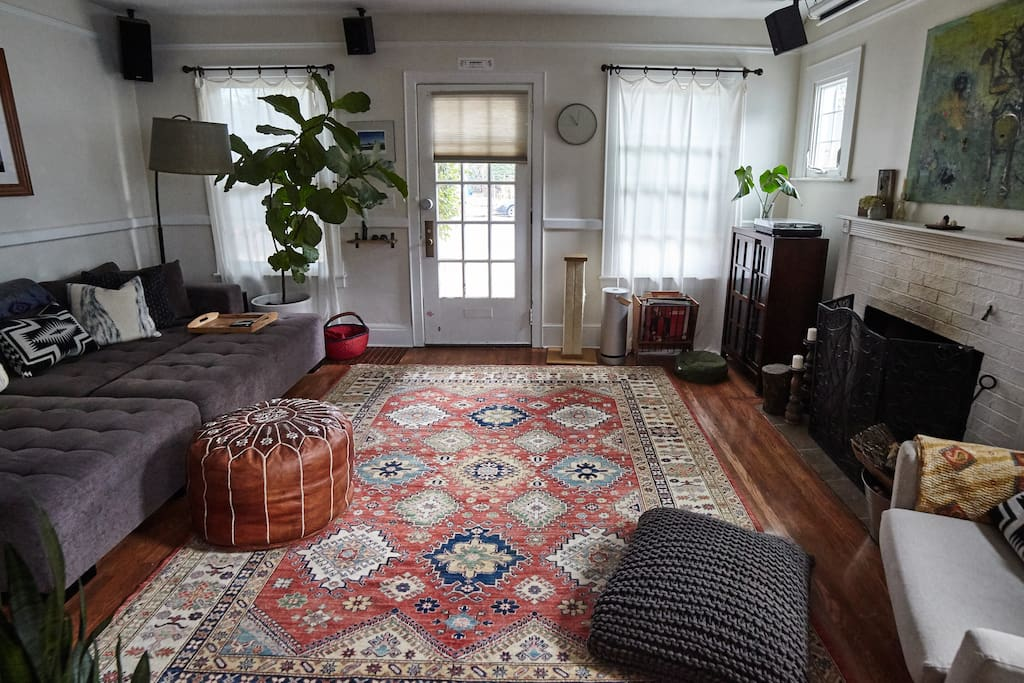 Check out our new rug! Tying the room together and whatnot.
