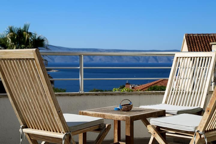 Three bedroom apartment with terrace and sea view Jelsa, Hvar (A-5703-b)