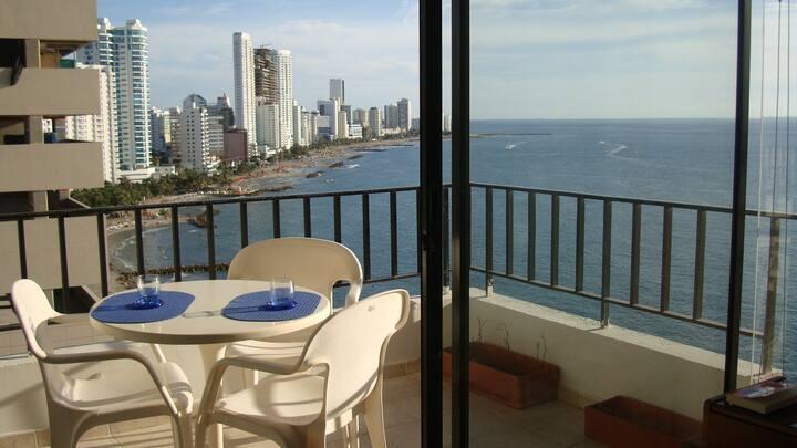 astonishing  seaview apartament beach front