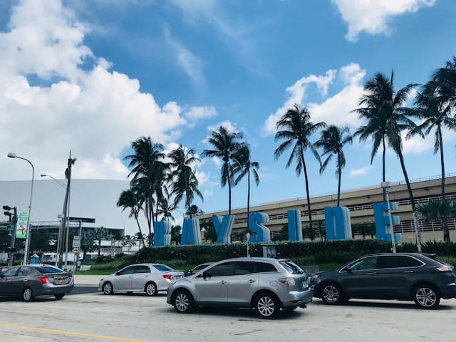 Bayside shopping and tours