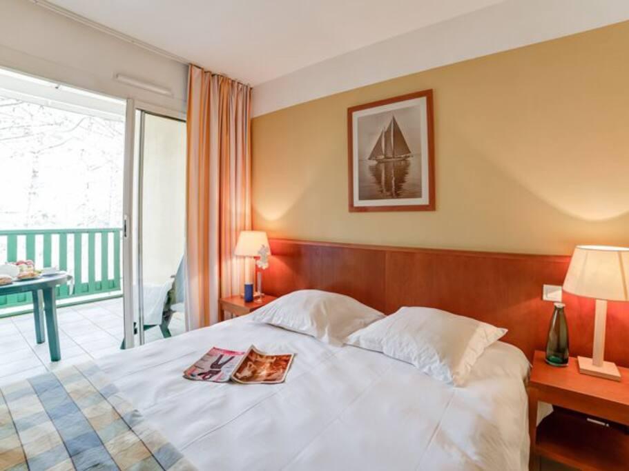 Dormir dans une chambre séparée avec literie en 160cm
