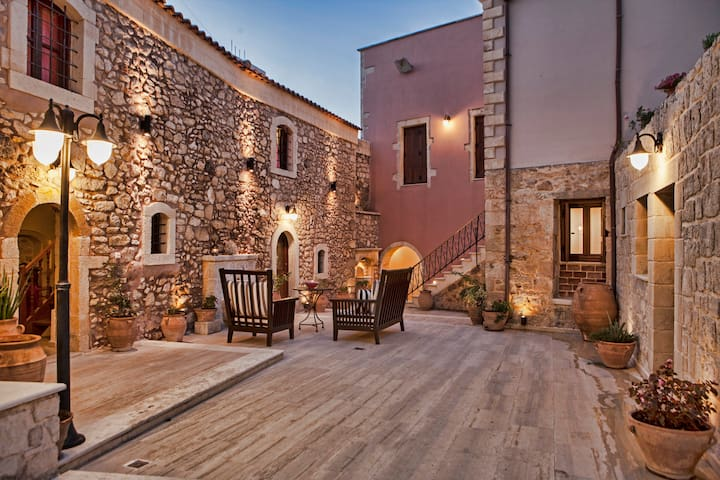 【BEST PRICE】S2* Private Home*Kitchen*WiFi*Parking! - Skouloufia, Rethymno, Crete - Casa adossada