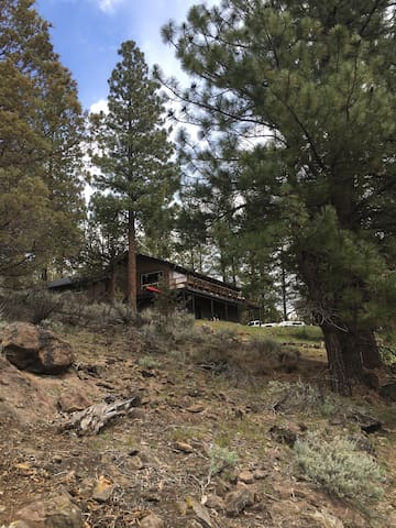 Rustic River Cabin minutes from Sisters, OR - Sisters - Chalet