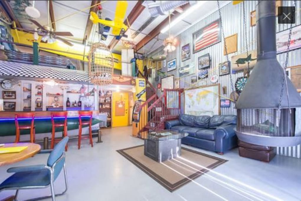 ManCave apartment/ airplane hangar. Also available on Airbnb located on the same property.