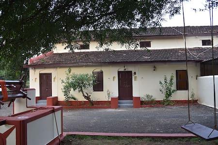 Soniya Farmhouse - Homestay in Wai