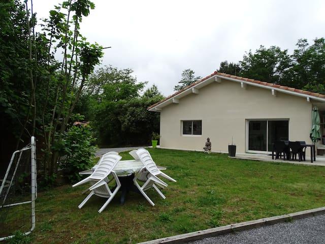VILLA DANS  CADRE VERDOYANT - Saint-Geours-de-Maremne - Villa