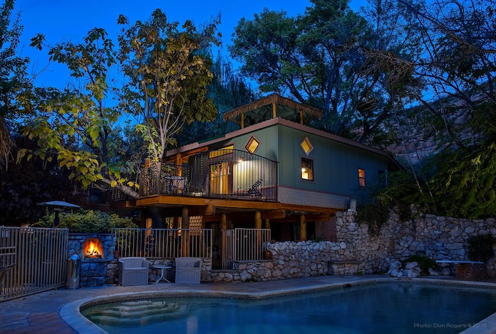 Tiki Tree House-Page Springs B&B in Wine Country!