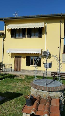 """CASA """"IL CIGNO"""" - Ponte Buggianese - Pistoia - Apartment"""