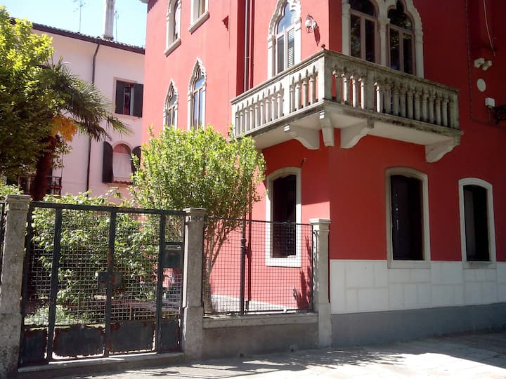 Biennale Apartment with Garden, Full renovated